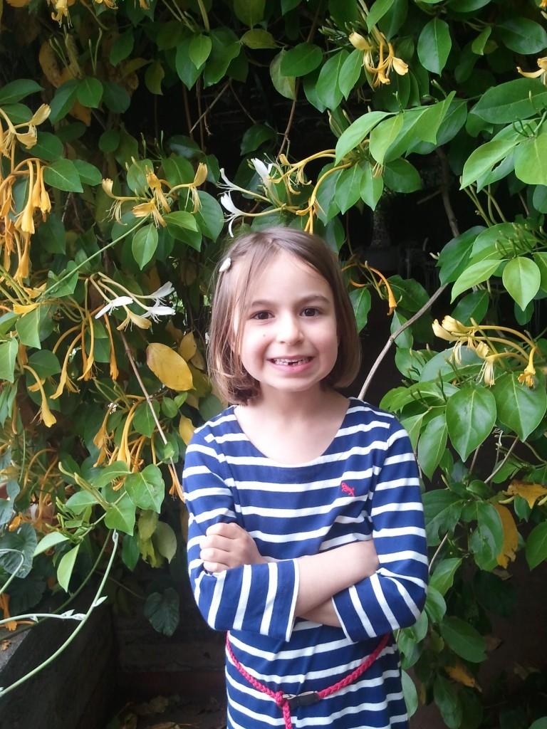 Rita e as flores amarelas (e um dente a menos...)